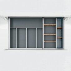 """""""Vario"""" įrankių dėklai """"Nova Pro"""" stalčiams iš aliuminio ir buko."""